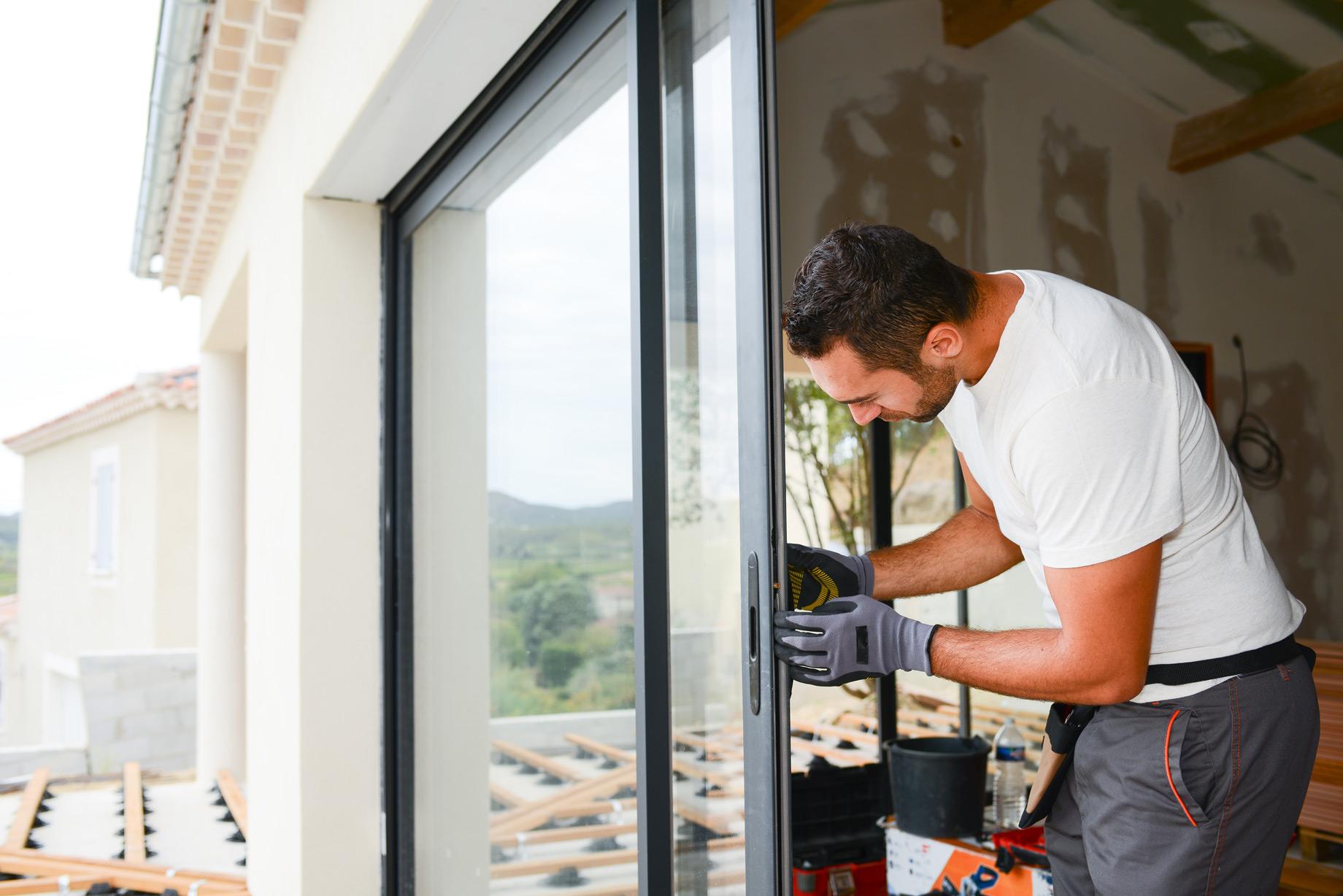 Installation d'une porte-fenêtre coulissante
